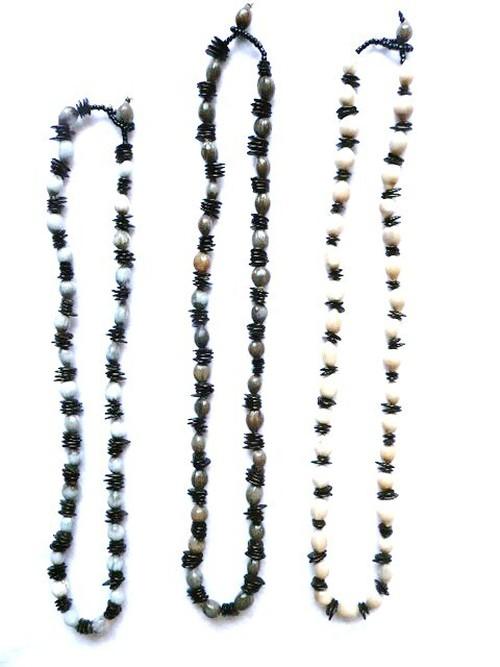 ネックレス 木の実のアクセサリー ロサリオとパシャカ 薄茶 アマゾン・シピボ族の手仕事