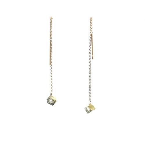 チェーンピアス ゴールドスクエアS・Threader Earrings - Gold Square (S)