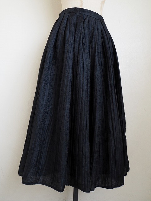 【ドイツ】 タックフレアスカート [ブラック|小花柄]