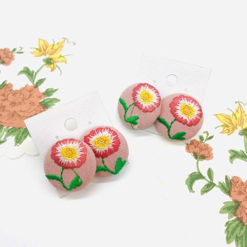 SALE☆お花刺繍のピアス(両耳)1P☆