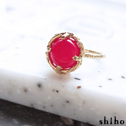 ビビッドカラーのリング【Melty ring<Fuchsia pink Chalcedony>】