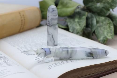 「Pinot mini・クラウディーベイ」Viriditas手作りキャップ付きガラスペン