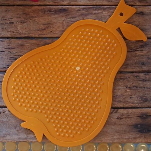 洋ナシ型のまな板