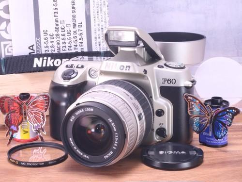 Nikon F60D ズームレンズ