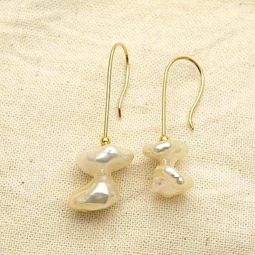 希少なバロック真珠(Freshwater pearls)ピアス OPi-043