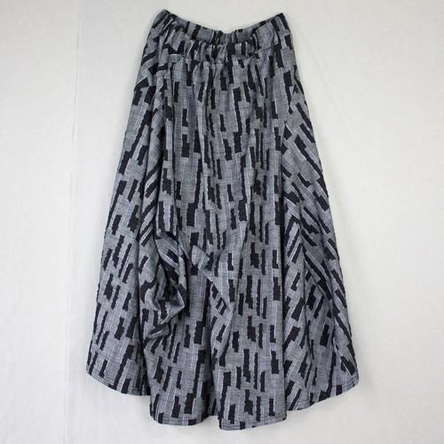 モザイクジャガード柄変形スカート