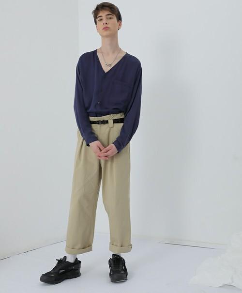 メンズvネックシャツ。テンセル混合ネイビーカラー