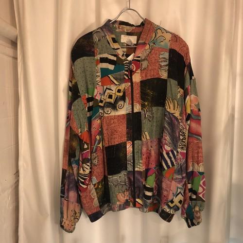 鮮やかなパッチワークとビーズ刺繍 華やかなブルゾン