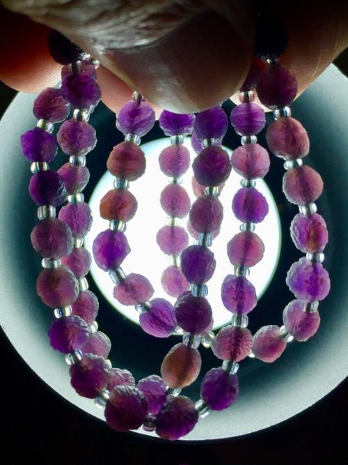 2) 紫ゴビアゲート「卑弥呼」ミニビーズ・ネックレス