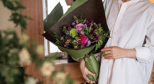 <母の日ギフト>10,000円花束を贈る