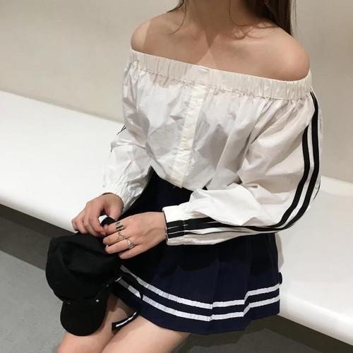 【新作10%off】double line off shoulder blouse 2424