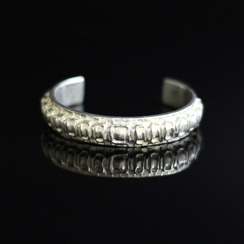 Alligator Spine Metal Cuff