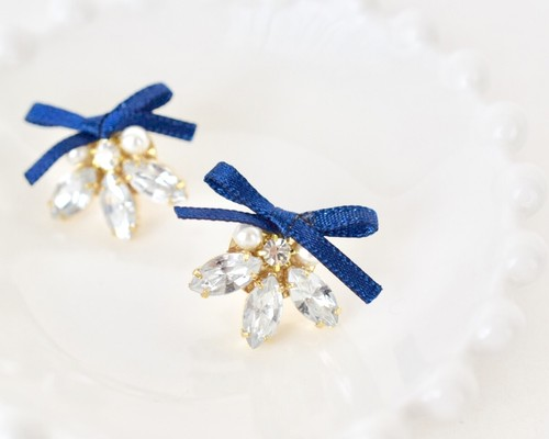Navy ribbon pierce/earring