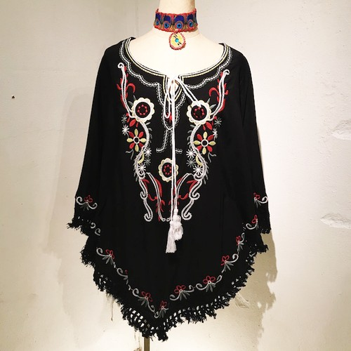 Embroidery Fringe Poncho / Black