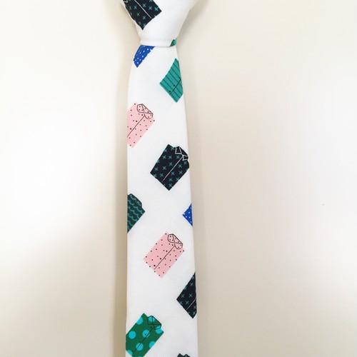 カラフルシャツ柄ネクタイ