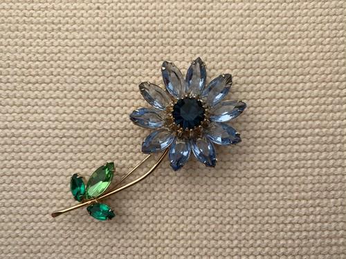 ブローチblue flower a