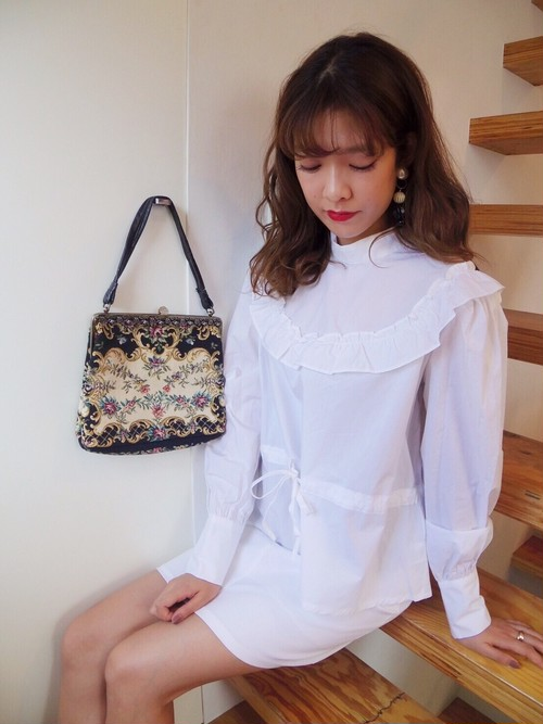 【即日発送】WHITE BLOUSE