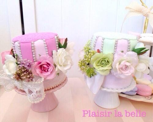 クレイデコレーションケーキ ラデュレ風/イチゴムース