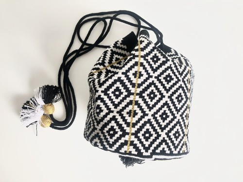 ワユーバッグ(Wayuu bag) Exclusive line Kinchaku Mサイズ