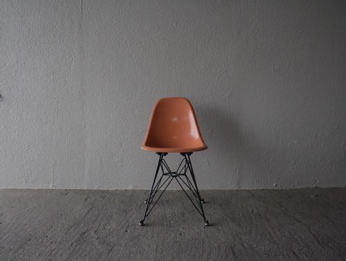 レアックジャパン製 イームズ 子供椅子 キッズチェア