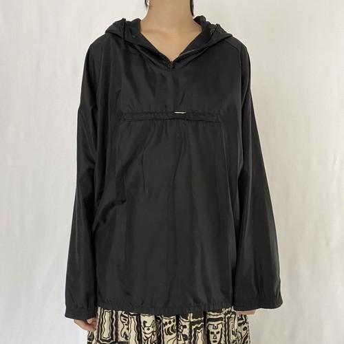 black nylon pullover parker (V0748M)