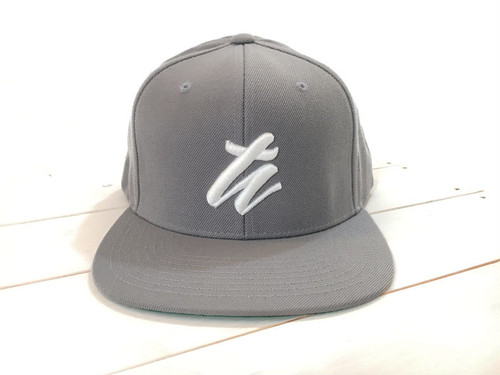 TH BASE BALL CAP <GRAY>