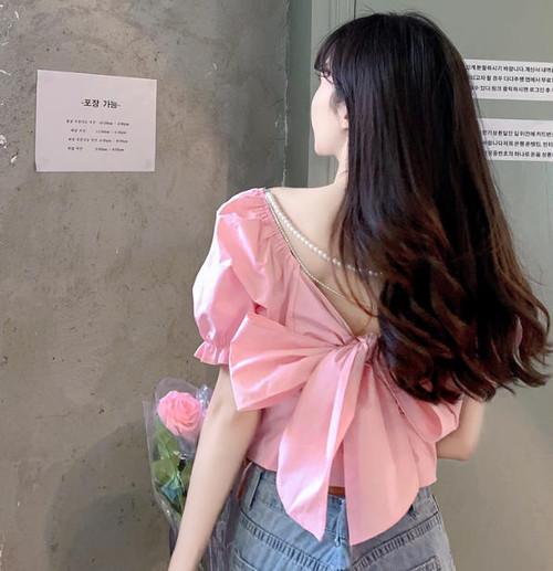 ブラウス 白 半袖 韓国 ファッション レディース ショート丈 リボン バックシャン ガーリー きれいめ 上品 セクシー