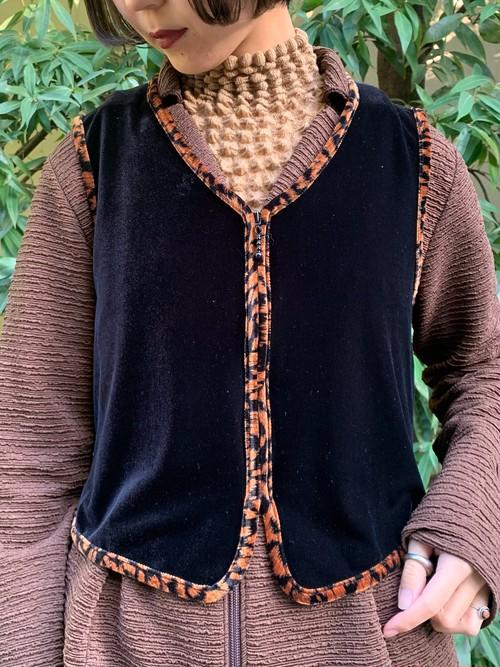 (TOYO) leopard switching velours vest