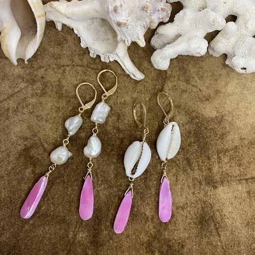 ピンクが可愛いカラーコーティング ムーンストーンの海でもピアス♬