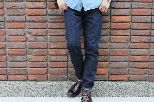 WORKERS / Lot 802 Slim Tapered Jeans