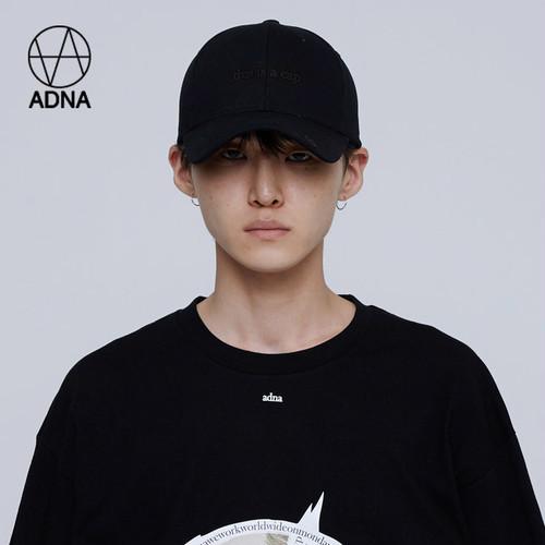韓国で最も話題のブランド「ADNA」!!THIS IS A CAP