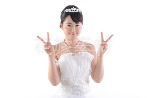 【0136】ポーズを取る花嫁