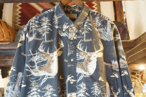 00's NATURAL ISSUE elk printed cotton Shirt