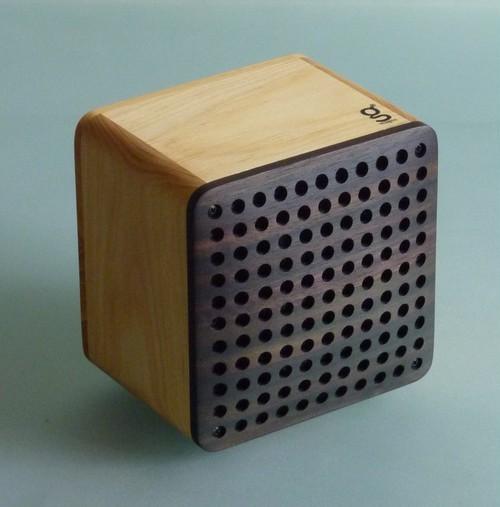 【iPodとつないでスピーカーとしても使える、木のラジオオプションスピーカー】SPiKONO/スピコノ