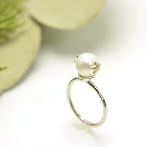 Two star pearl ring