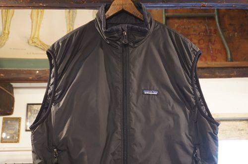 00's Patagonia black PUFF-BALL Vest