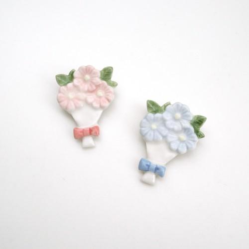 花束ブローチ