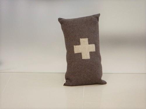 品番UC-006 Cushion [small / European Military Blanket]