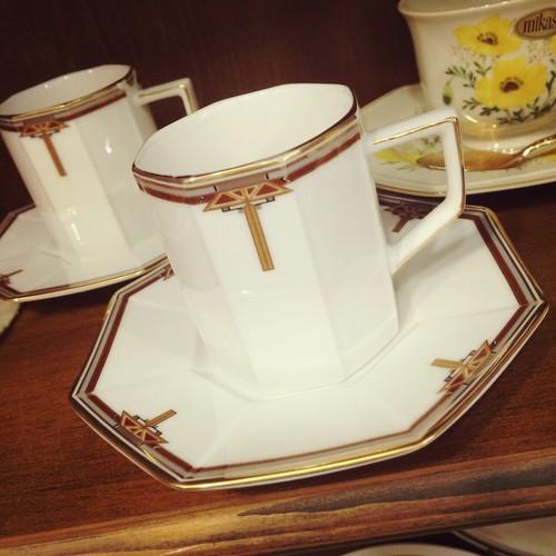 昭和レトロな八角形のカップ&ソーサー