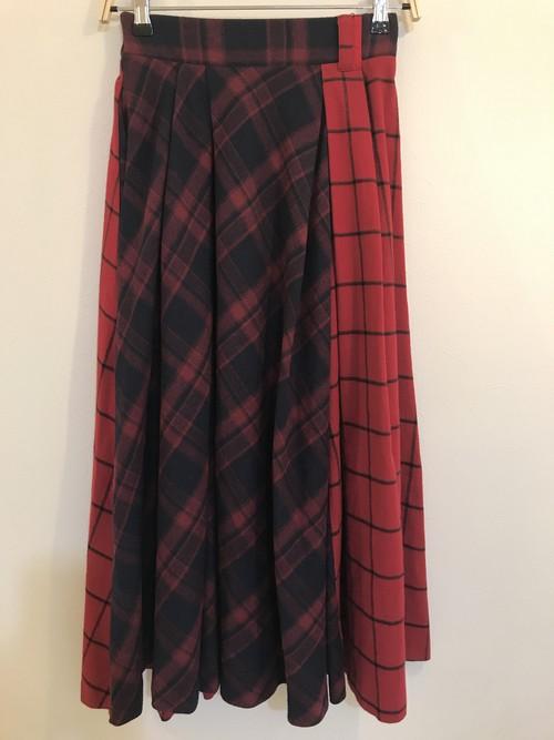 チェック赤✖️紺ロングスカート