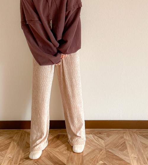 【beige】Crinkle velor pants