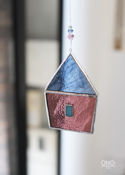 岩田けいこ*ステンドグラス キラキラシリーズ とんがり屋根のお家