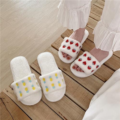 【shoes】スリッパふわふわ可愛いイチゴ履き心地よいカジュアル