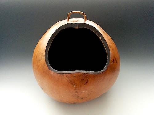 くりぬき瓢箪の花器