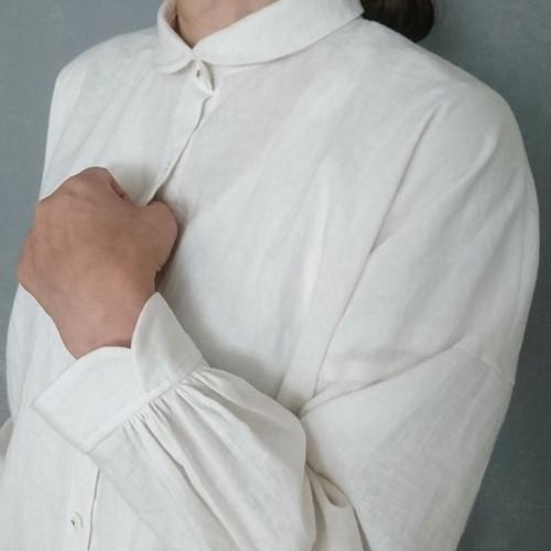 キチンと丸衿シャツ