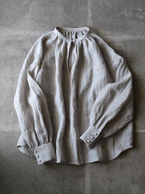 313-B カフス袖のふんわりブラウス ナチュラル