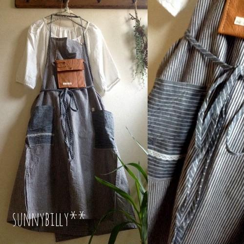 ●綿麻ストライプのエプロン風巻きスカート●