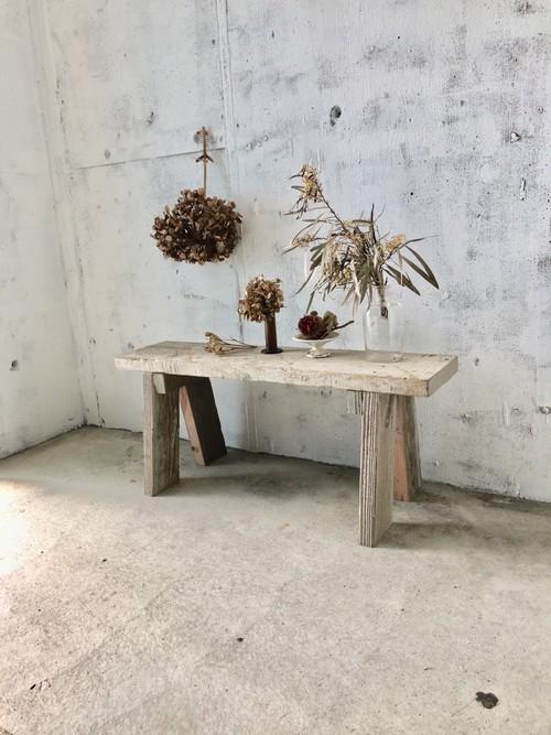 シャビーな飾り台[古家具]
