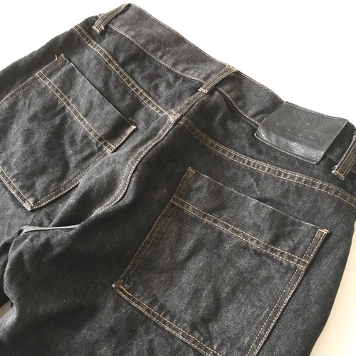 GUCCI : ribbon line black denim pants (used)