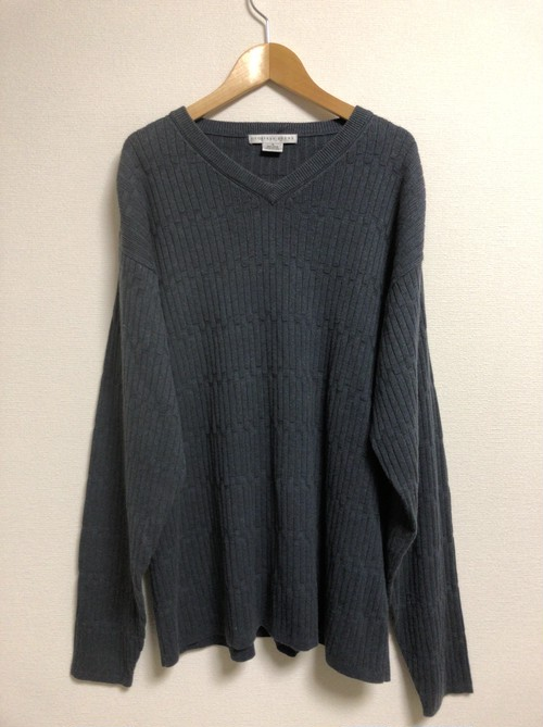 2000's GEOFFREY BEENE V-neck sweater